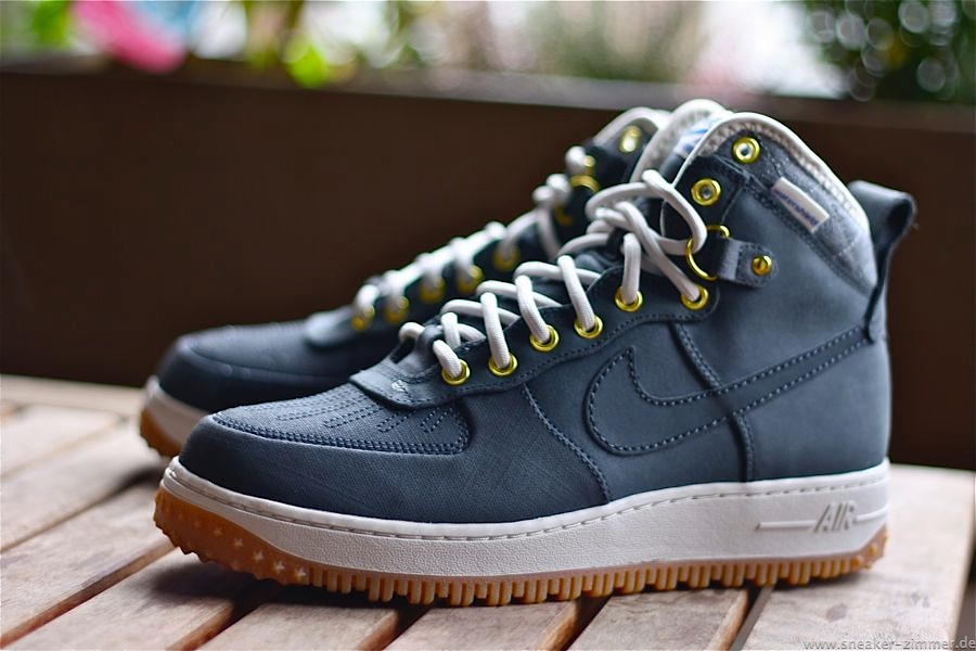 new products 253c0 8530f nike air force winter