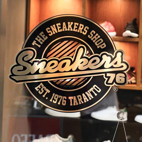 sneakers762