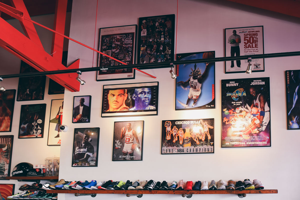 Los Angeles Store Guide-24