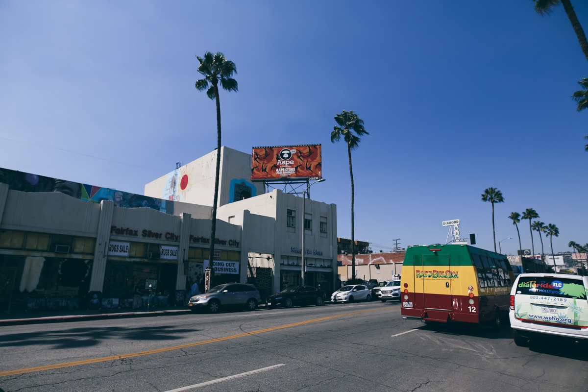 Los Angeles Store Guide-64