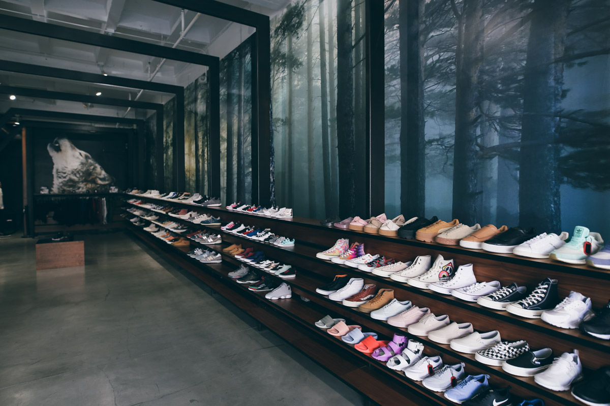 Los Angeles Store Guide-92