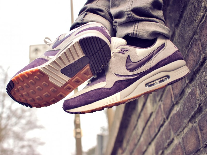 "low priced 1f4de 13e1a ... wholesale price 7582d 0d3c0 Sneaker-Zimmer.de Nike Air Max Light  ""Easter Edition ..."
