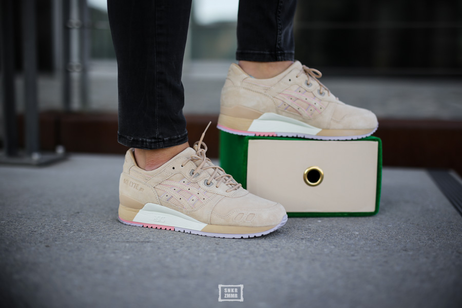 "differently b90a9 f5226 06 Mrz CLOT x Asics Gel Lyte III ""Sand"" – Beauty from below"