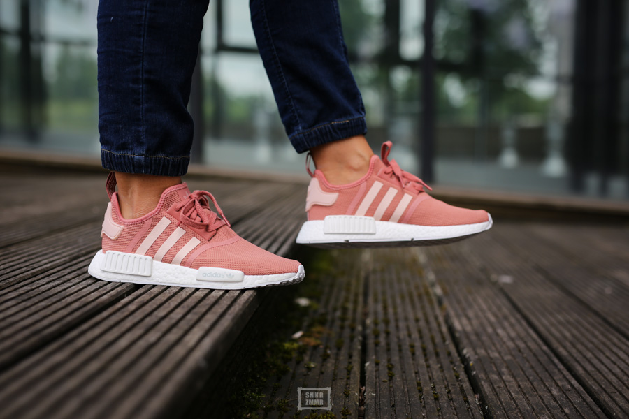 NMD R1 Raw Pink-11