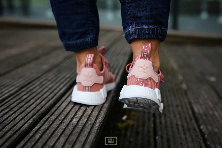 NMD R1 Raw Pink-12