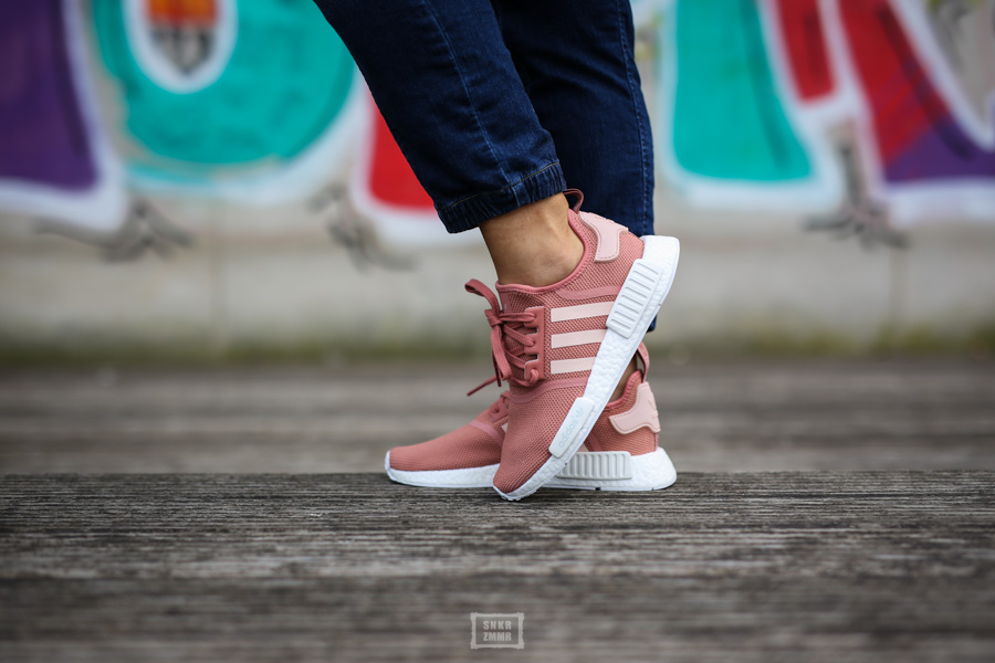 NMD R1 Raw Pink-9