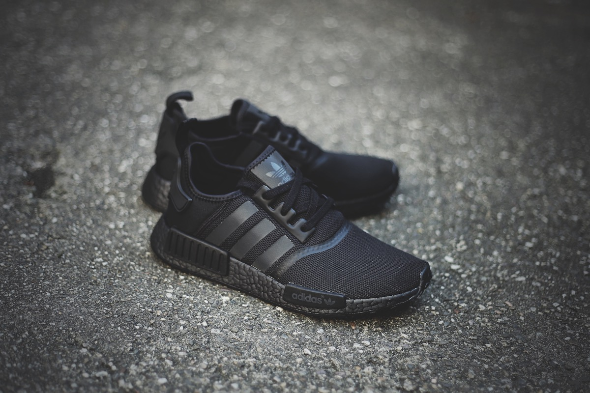 adidas-originals-nmd-boost-r1-all-black-s31508-3