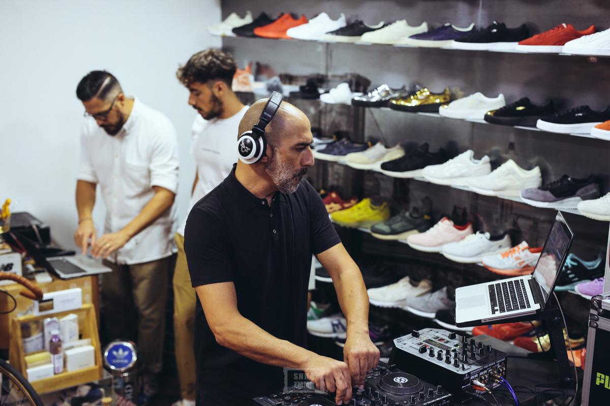 sneakers76_eqt-35