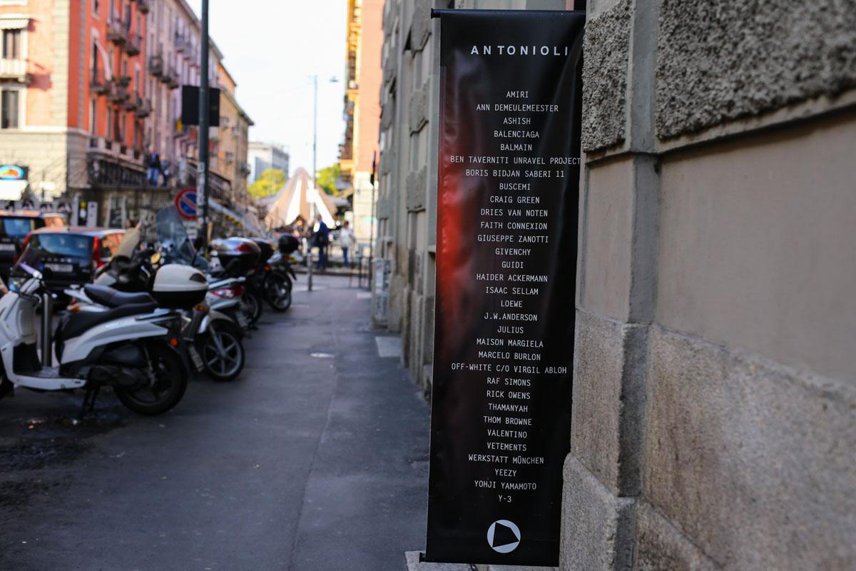 Mailand-22