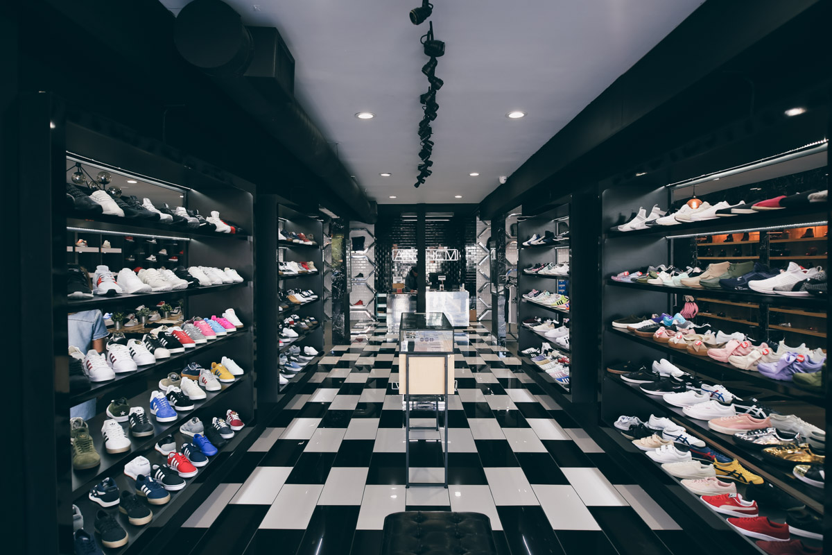 Los Angeles Store Guide-12