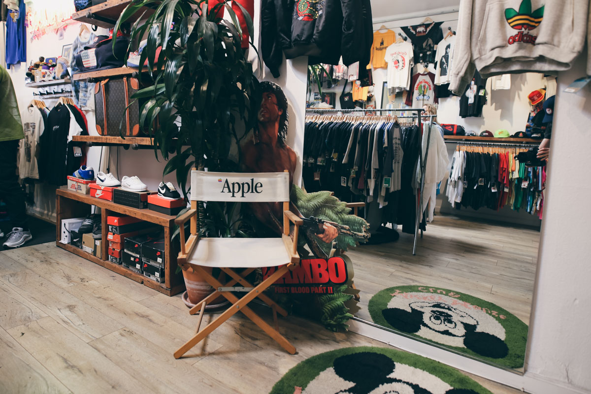 Los Angeles Store Guide-15