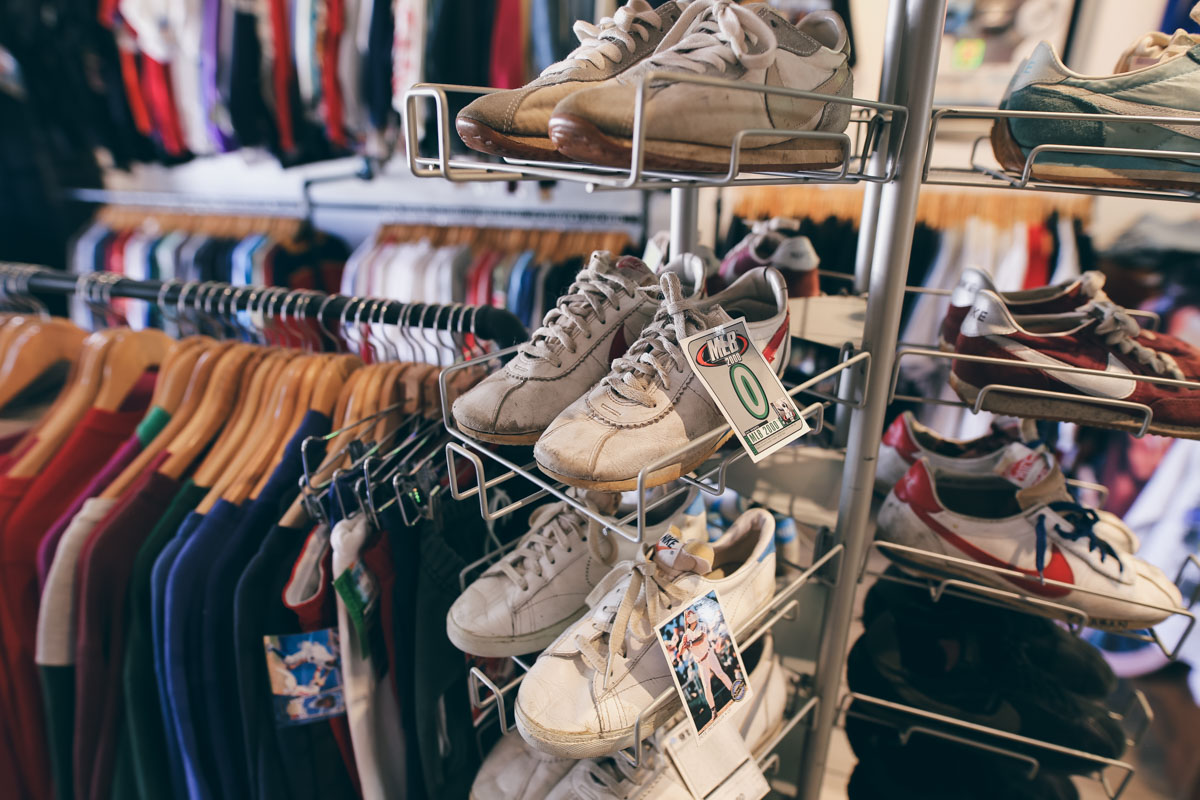 Los Angeles Store Guide-17