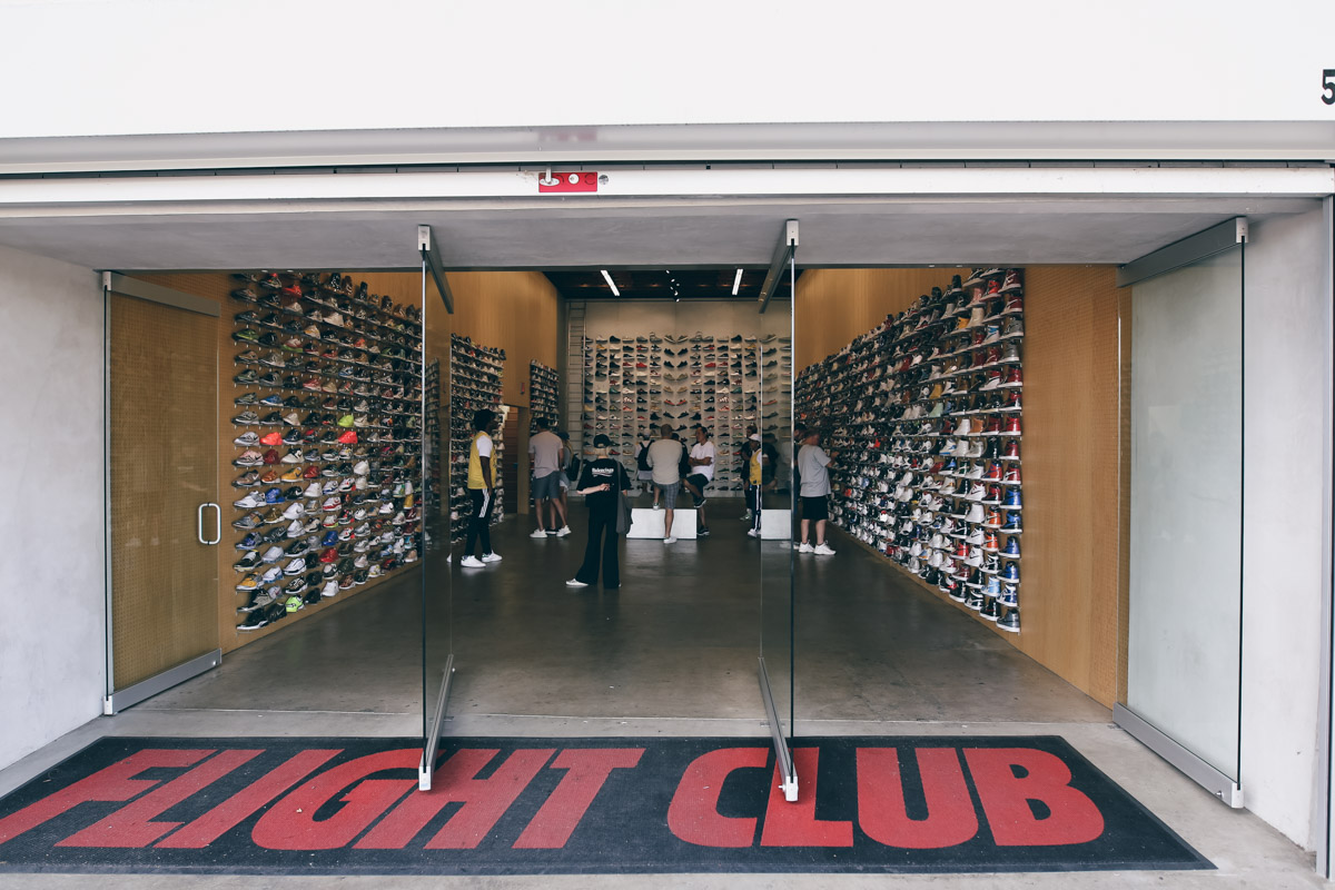 Los Angeles Store Guide-41