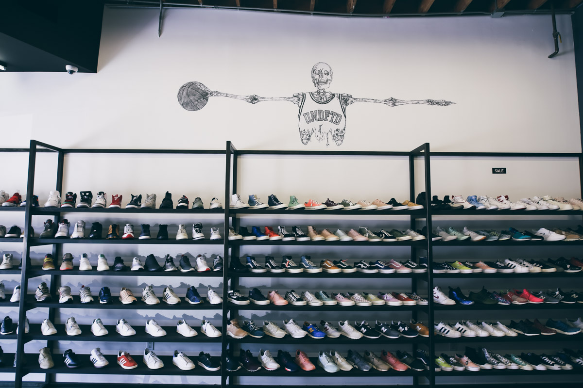 Los Angeles Store Guide-83