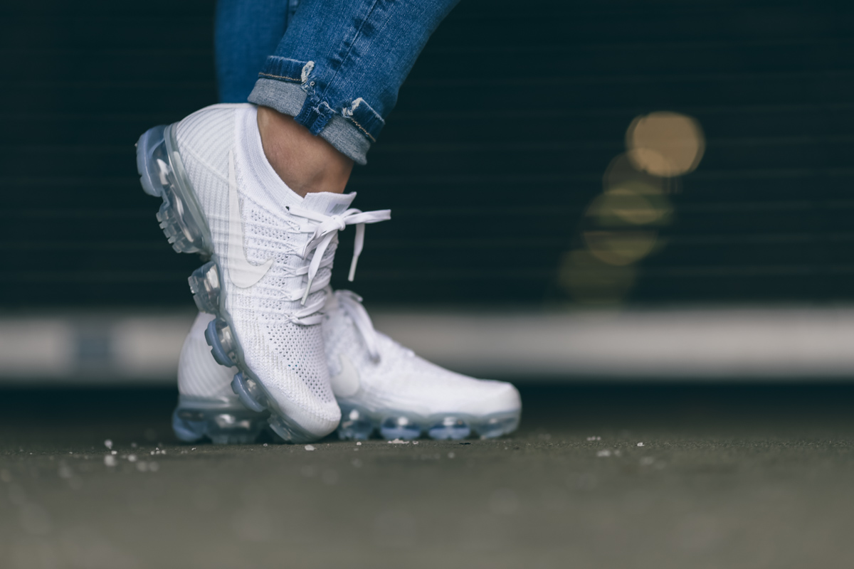 buy online f6fee a6c28 Nike Vapormax All White-2