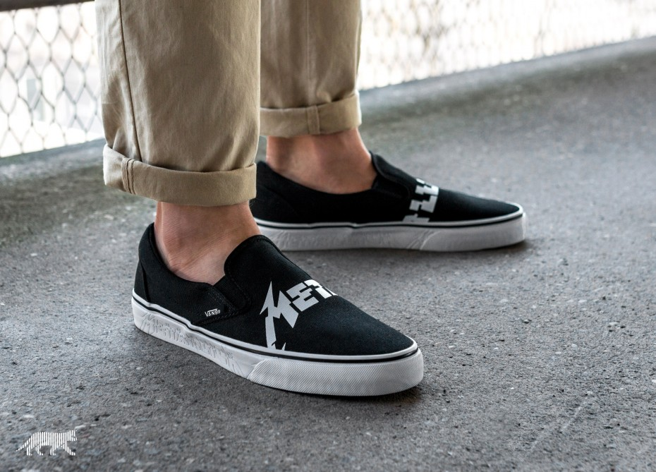 xvans-x-metallica-classic-slip-on-black-true-white-va38f7pzj-os-2.jpg.pagespeed.ic.Icy9m_BoDk